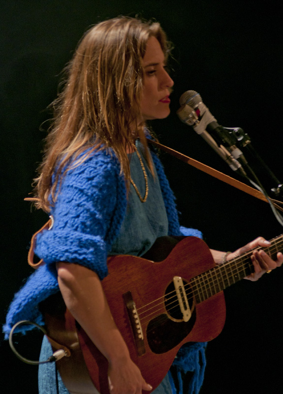 Photo of Feist singing